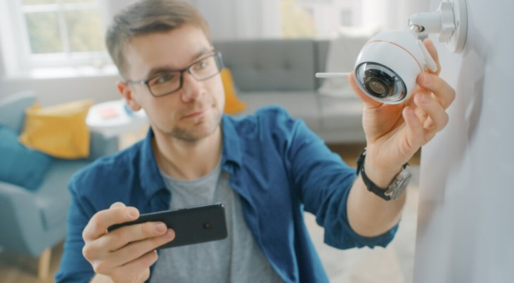 Que sont les caméras de surveillance à domicile et comment fonctionnent-elles ?